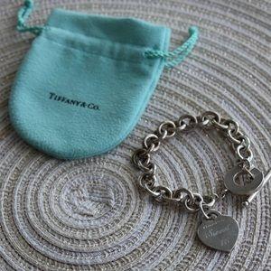 Jewelry - Tiffany heart tag toggle bracelet